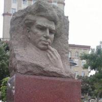 Наказаны виновные в сносе памятника Микаилу Мушвигу
