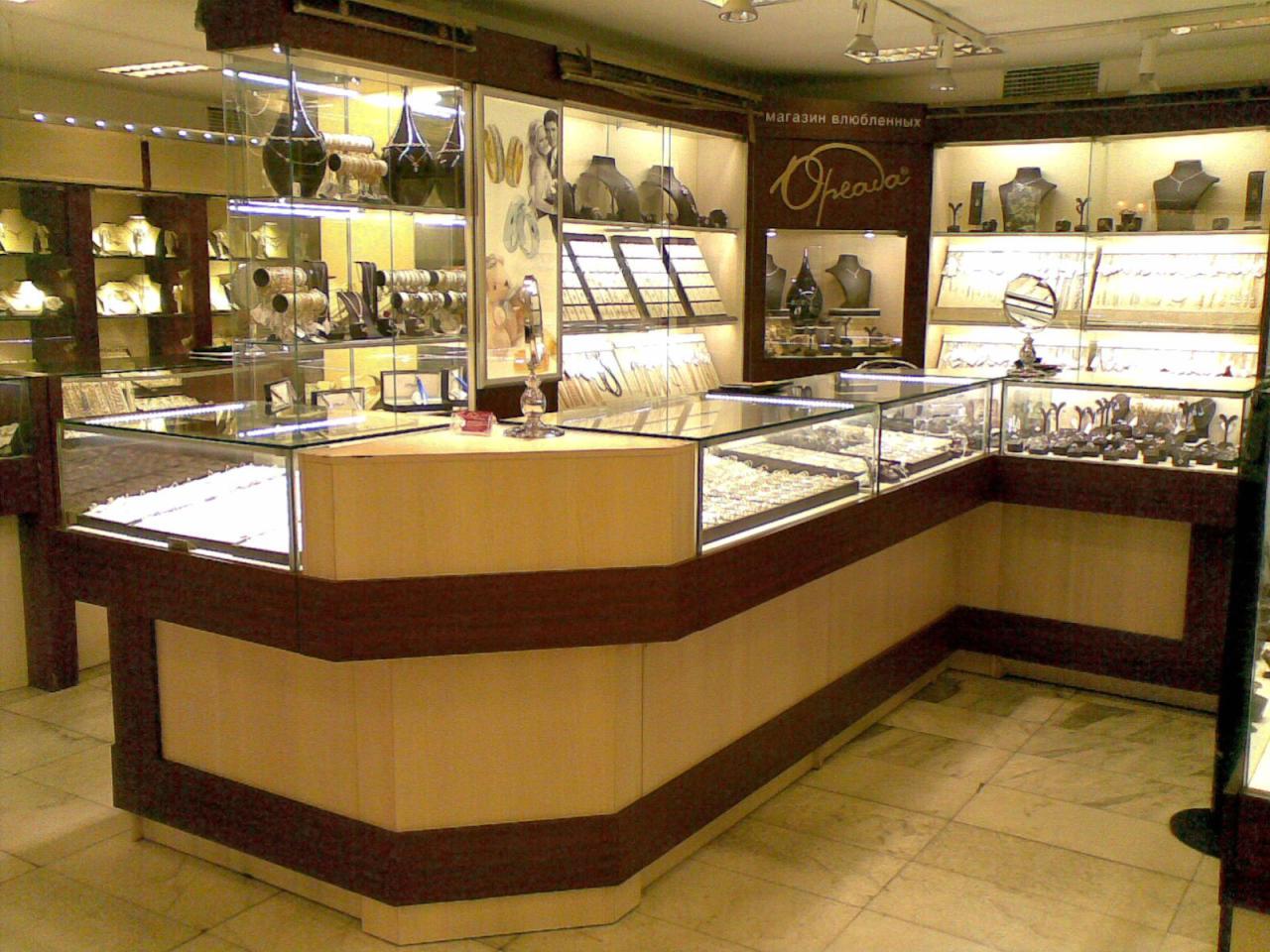 Вооруженный налет совершен наювелирный магазин в столице России