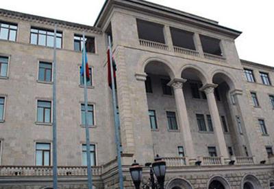 Минобороны Азербайджана пригрозило нанести сокрушительный удар по ВС Армении