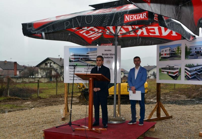 """Cостоялась закладка фундамента Центра скорой медицинской помощи, который будет построен в Боснии и Герцеговине при поддержке Фонда Гейдара Алиева <span class=""""color_red"""">- ФОТО</span>"""