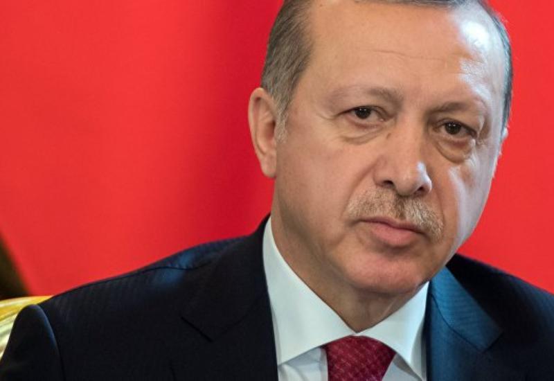 Эрдоган выразил соболезнования Мэй в связи с терактом в Лондоне
