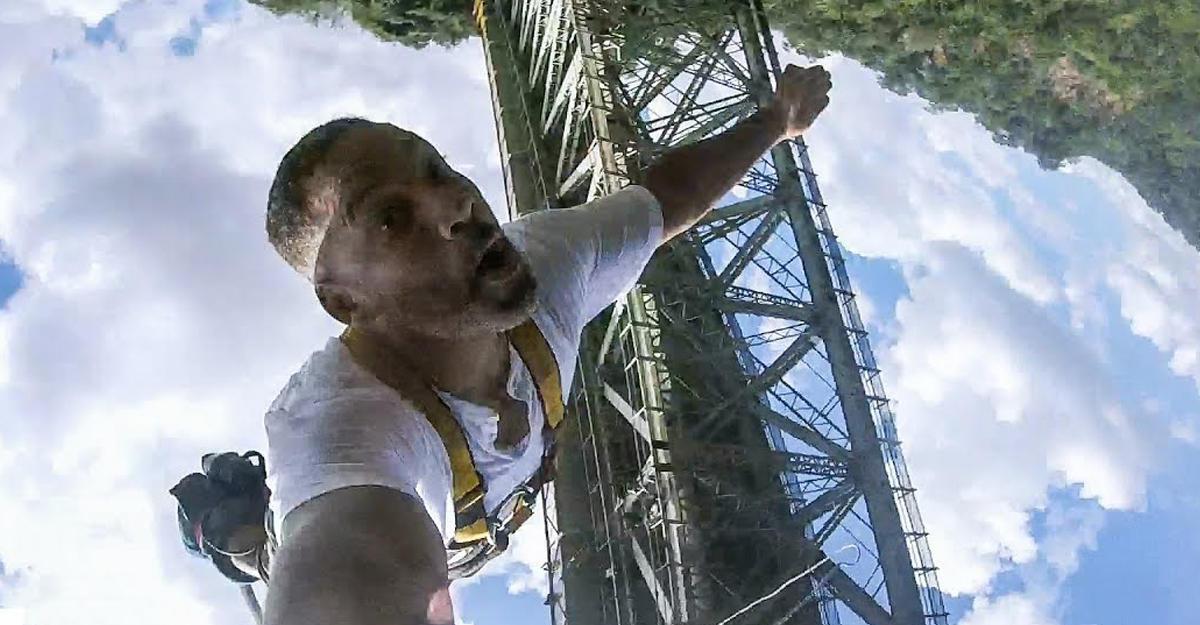 Уилл Смит прыгнул с100-метрового водопада
