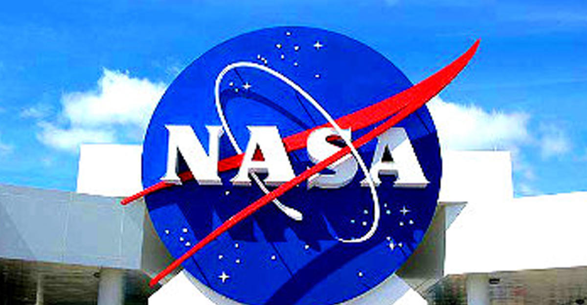 NASA показало анимацию окончания миссии Cassini