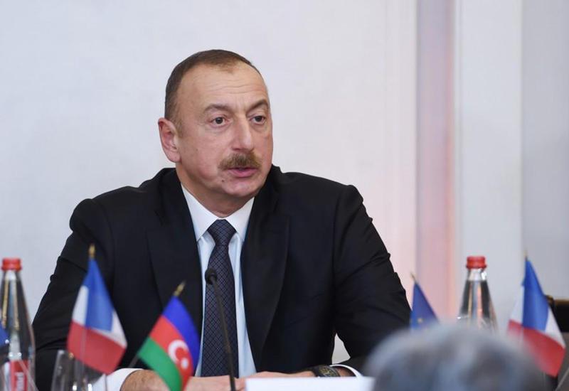Президент Ильхам Алиев - Саргсяну: Если ты так умен, то почему так беден?