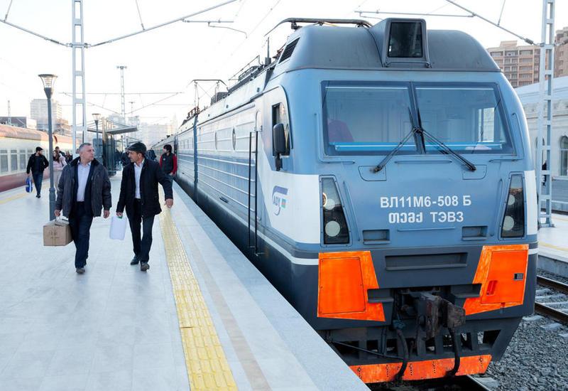 Временно изменен график движения поезда Баку-Горадиз-Баку