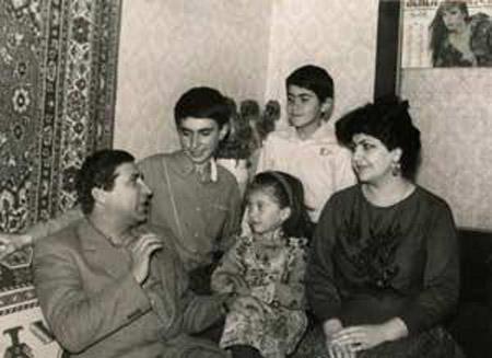 Xalq artistinin oğlu hər kəsi KÖVRƏLTDİ - VİDEO - FOTOLAR
