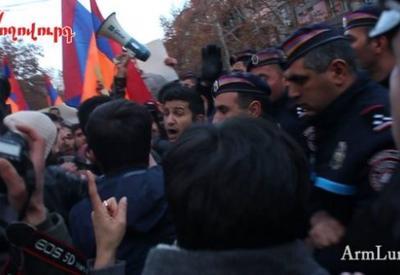 "Акция протеста в Ереване: стычки между демонстрантами и полицейскими <span class=""color_red"">- ОБНОВЛЕНО - ФОТО</span>"