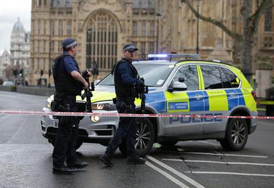 В результате теракта в Лондоне ранены трое полицейских