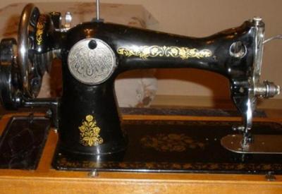 Антиквары устроили самую настоящую охоту за старыми швейными машинками. И вот почему