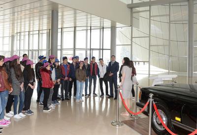 """Нахчыванские школьники побывали в Центре Гейдара Алиева <span class=""""color_red"""">- ФОТО</span>"""