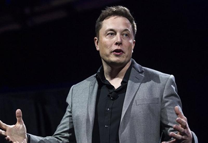Илон Маск собирается соединить мозг и компьютер