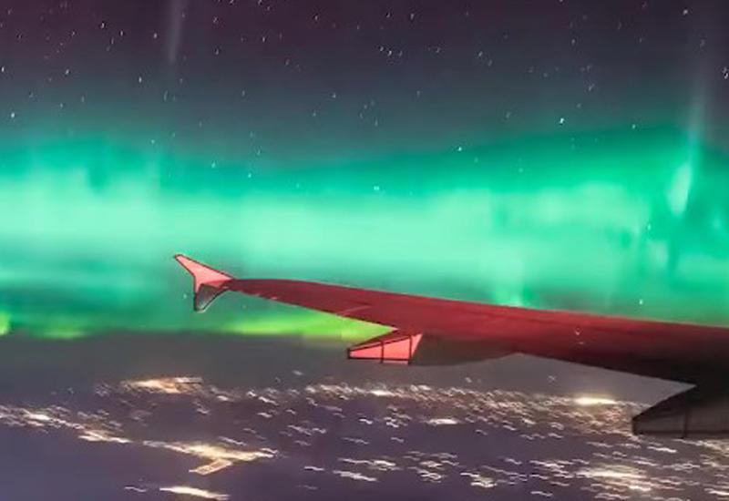 """Сеть взорвало видео северного сияния с самолета <span class=""""color_red"""">- ВИДЕО</span>"""