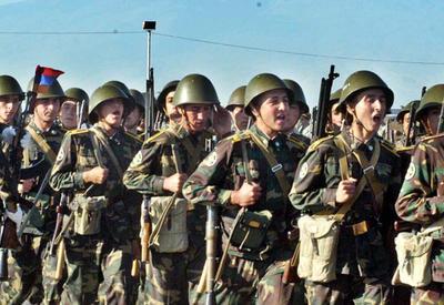 В армянской армии станет еще больше неимущих