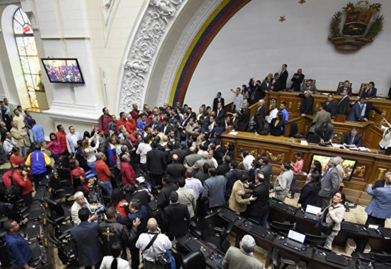 Верховный суд Венесуэлы лишил парламент законодательной власти