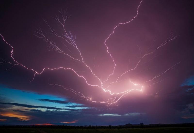 """Зрелищные грозы и молнии от охотников за ураганами <span class=""""color_red"""">- ФОТО</span>"""