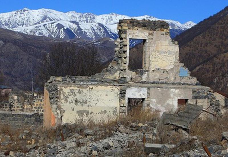 Румынское издание рассказало, кто и как грабит оккупированный Арменией Карабах