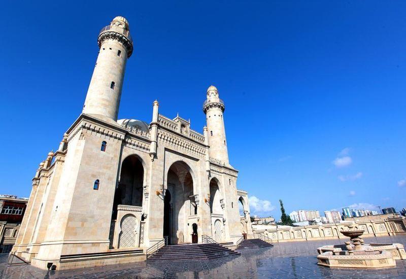 Ряду религиозных деятелей Азербайджана вручены медали
