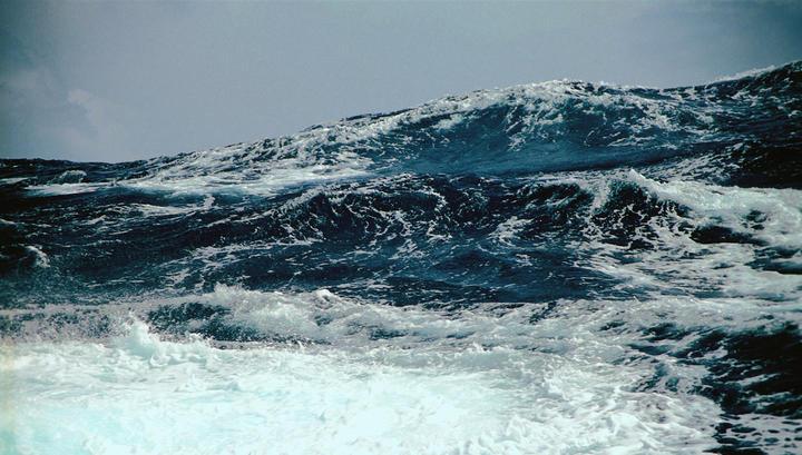 ВМьянме как минимум 20 человек погибли из-за столкновения лодки ибаржи