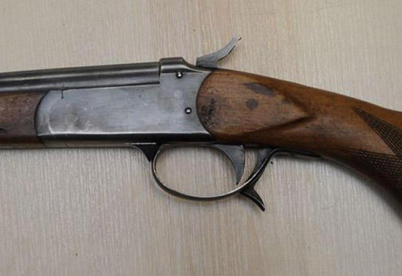 Silahlı Nardaran sakini polis bölməsinə getdi