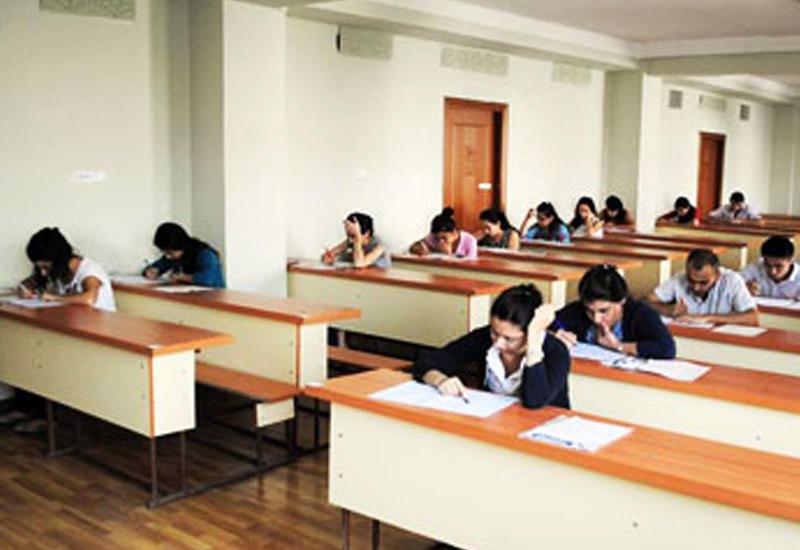 В Азербайджане предложили ввести экзамен по госязыку при приеме на работу