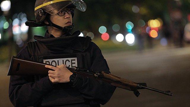 Встолице франции милиция применила слезоточивый газ для разгона демонстрантов