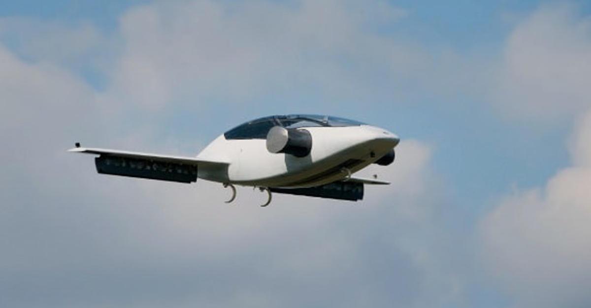Германские инженеры представили электрический самолет Lilium Jet свертикальным взлетом