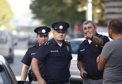 В Грузии подожгли автомобиль депутата-армянина
