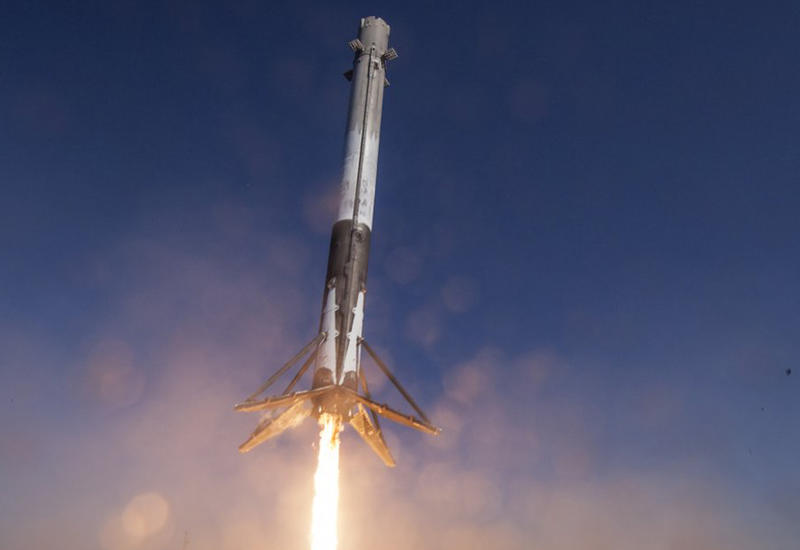 "SpaceX вновь успешно посадила использованную ступень Falcon 9 <span class=""color_red"">- ВИДЕО</span>"