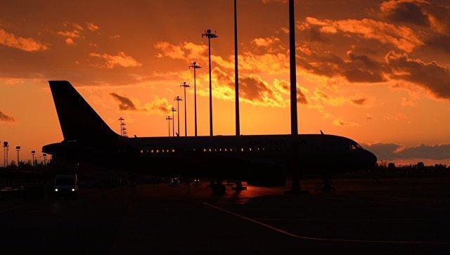 Пассажирский самолет столкнулся с фургоном вЛос-Анджелесе