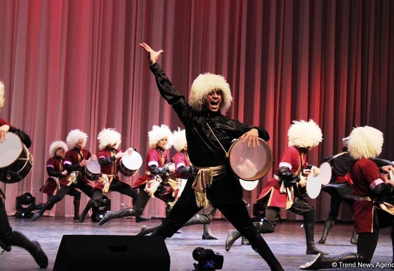 """Гостям Исламиады представлены зажигательные национальные танцы <span class=""""color_red"""">- ФОТО</span>"""