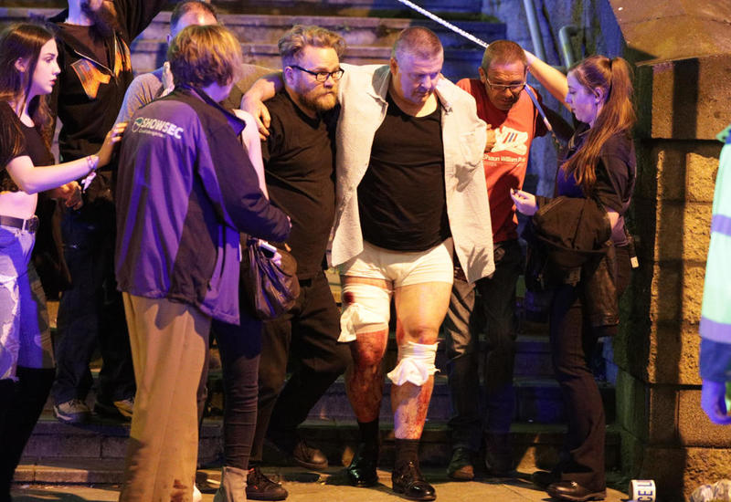 """Свидетели о взрыве в Манчестере: Охранники закричали: """"Бегите""""!"""