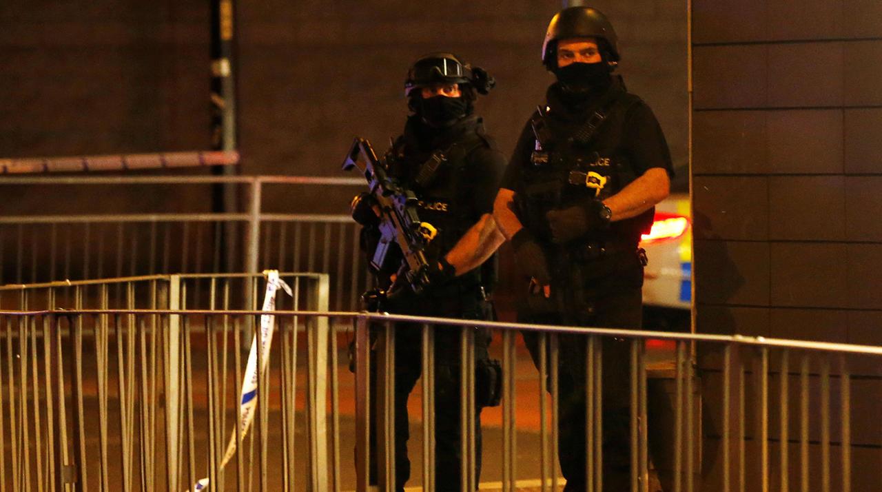 Консервативная партия прекратит предвыборную кампанию из-за взрыва вМанчестере