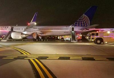 """Самолет вспыхнул во время взлета в США <span class=""""color_red"""">- ВИДЕО</span>"""