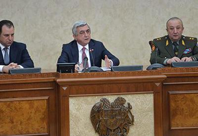Саргсян поговорил с военными о Карабахе. По секрету