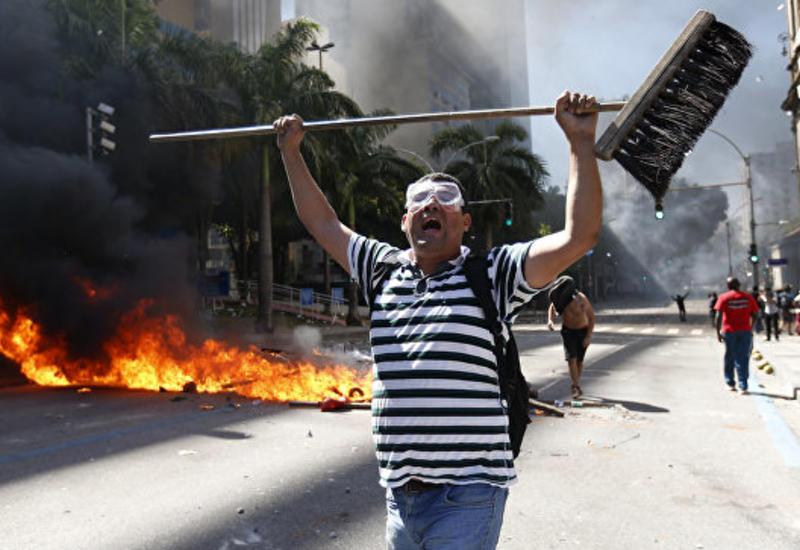 Все министерства в Бразилии эвакуируют после поджога минсельхоза