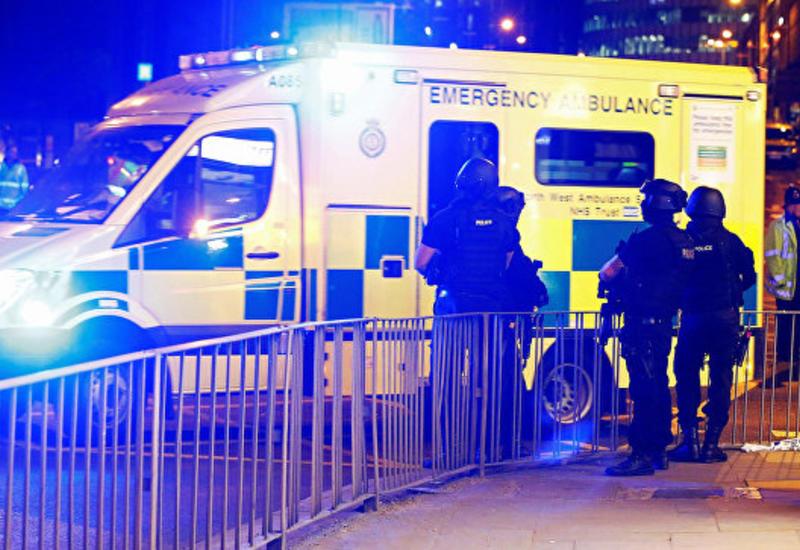 В Манчестере британские мусульмане провели акцию против терроризма