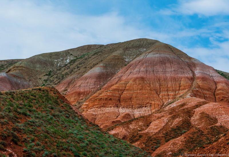 """Фантастические оттенки: пейзажи красной планеты на горе Богдо <span class=""""color_red"""">- ФОТО</span>"""