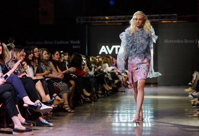 "В Баку состоялось открытие Mercedes-Benz Fashion Week <span class=""color_red"">- ФОТО</span>"