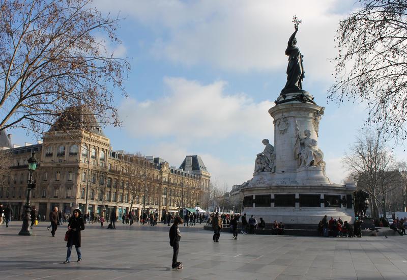 В Париже из-за угрозы взрыва оцеплена площадь Республики