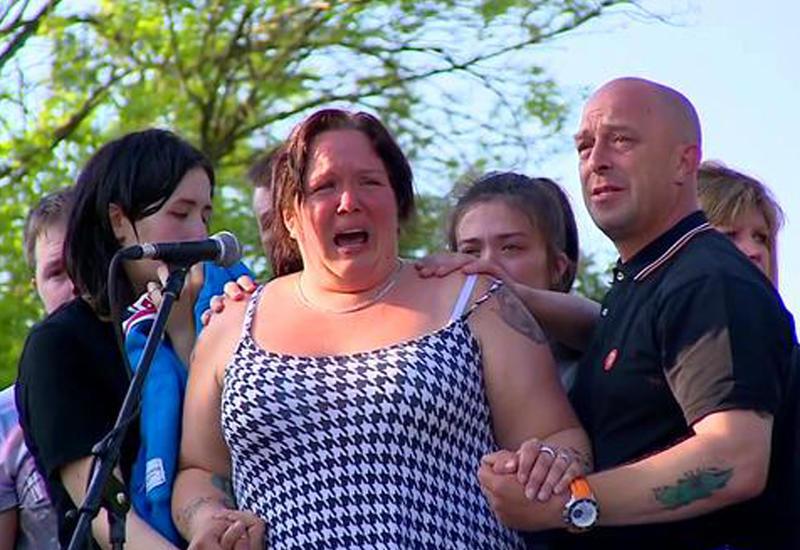 """Мать погибшей в Манчестере девочки: Пожалуйста, не дайте им нас победить <span class=""""color_red"""">- ВИДЕО</span>"""