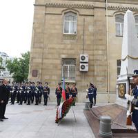 """Президент Ильхам Алиев посетил памятник, возведенный в честь Азербайджанской Демократической Республики <span class=""""color_red"""">- ФОТО</span>"""