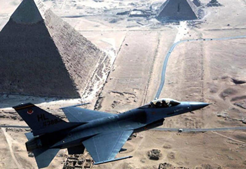 ВВС Египта нанесли шесть ударов по террористам в Ливии