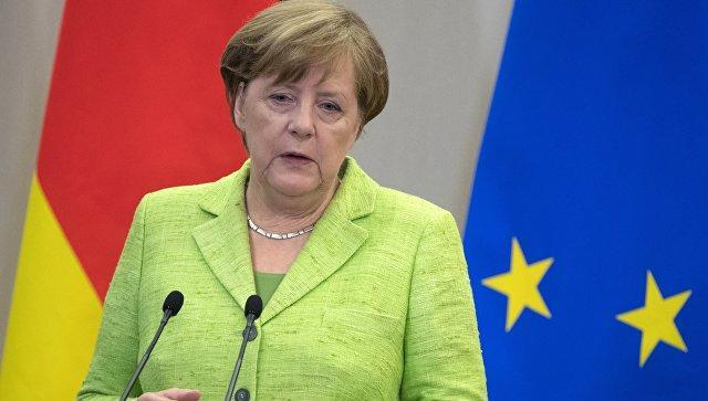 Меркель призвала Европу взять себя вруки