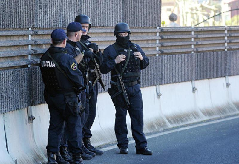 У бизнес-центра в Белграде прогремел мощный взрыв