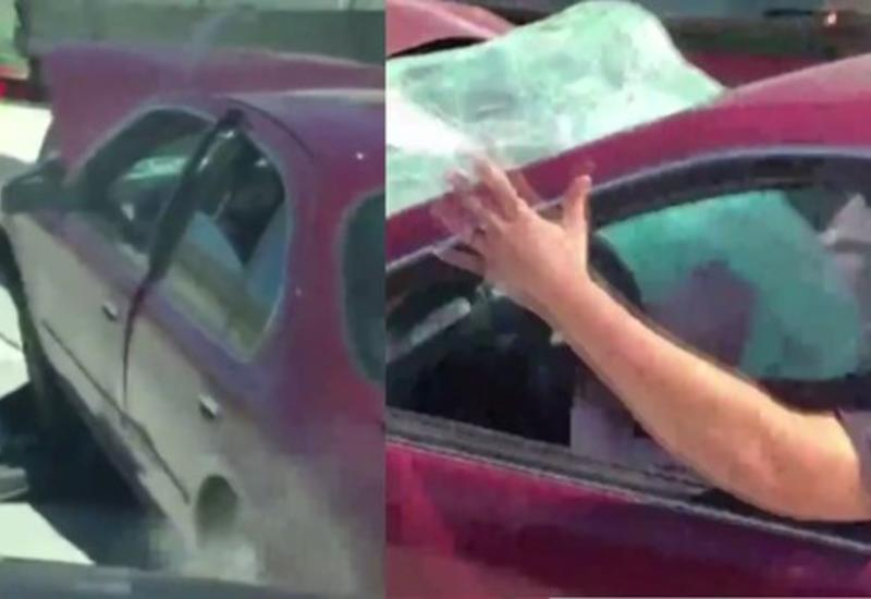 """В США дальнобойщик четыре мили тащил за собой прицепившуюся машину <span class=""""color_red"""">- ВИДЕО</span>"""