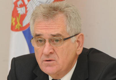 Президент Сербии наградил посла Азербайджана
