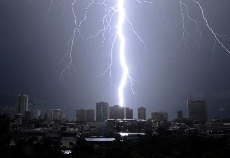В Индии от ударов молний погибли почти 20 человек