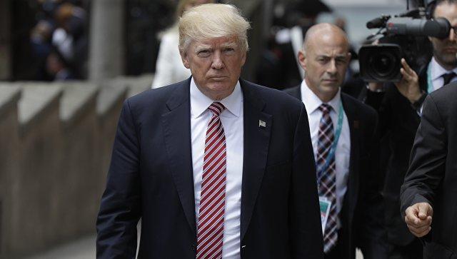 Трамп упрекнул Коми втрусости
