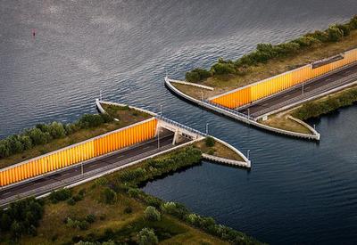 """В Голландии построили водный мост, который ломает все законы физики <span class=""""color_red"""">- 2 ФОТО</span>"""