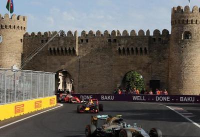 Четыре пилота покинули гонку в классе FIA Formula-2